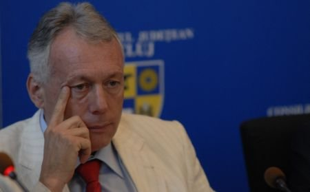 Ministrul Mediului Laszlo Borbely, implicat într-un dosar de trafic de influenţă