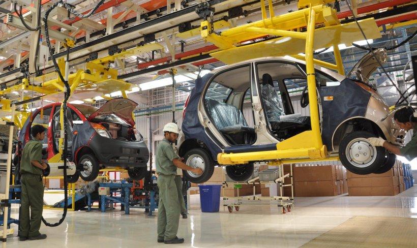 Cea mai ieftină maşină din lume atacă pieţele din Asia de sud-est. Tata îşi deschide fabrică în Indonezia