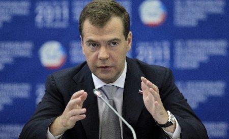 Dmitri Medvedev aseamană revoltele din ţările arabe cu prăbuşirea Zidului Berlinului