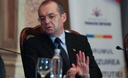 Emil Boc cere miniştrilor să redirecţioneze fondurile europene de la proiectele întârziate către altele
