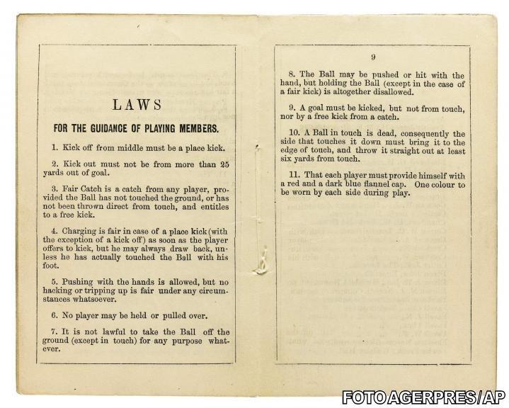 Cea mai veche carte cu reguli din fotbal, vândută la o licitaţie cu 1,4 milioane de dolari