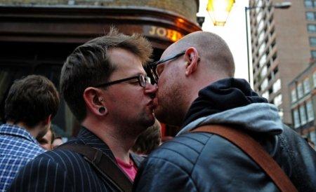 """""""Istoria homosexualilor"""", materie obligatorie în şcolile din California"""
