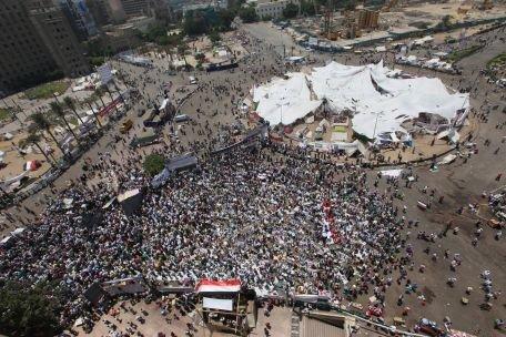 Remaniere guvernamentală în Egipt, pe fondul protestelor violente