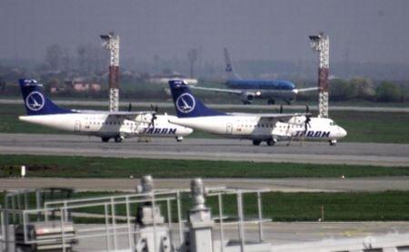 La un pas de tragedie, din cauza controlorului de trafic aerian: Două avioane, cât pe ce să se ciocnescă pe Otopeni