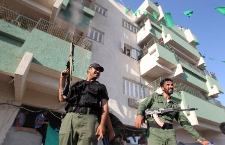 Libia: Rebelii susţin că au capturat un oraş strategic şi se pregătesc să atace capitala