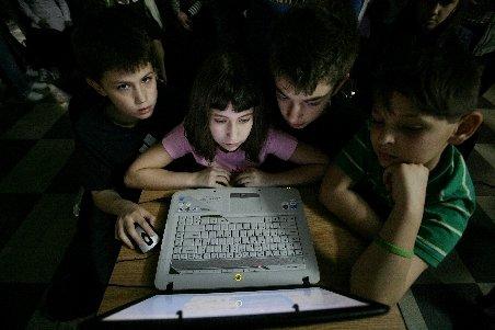 România rurală: Internetul a rămas un mister pentru oamenii de la sate