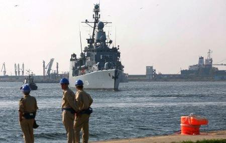Fregata Regele Ferdinand s-a întors acasă: Peste 200 de marinari şi-au revăzut familiile