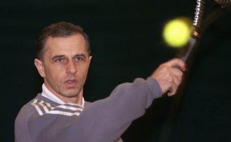 Hobby-uri ale politicienilor: Mircea Geoană, pasionat al tenisului