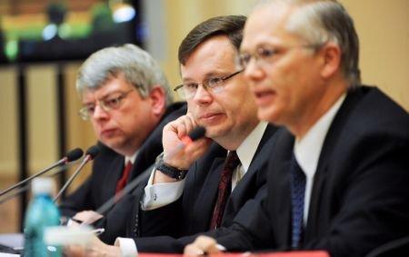 Reprezentanţii FMI, cei ai CE şi ai Băncii Mondiale,  la Bucureşti pentru evaluarea acordului stand-by