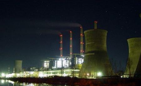 Un transformator de la Complexul Energetic Turceni a luat foc, după ce a fost lovit de trăsnet