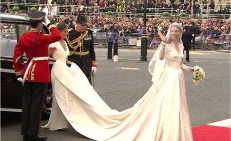 Rochia de mireasă a ducesei de Cambridge va fi expusă la Palatul Buckingham