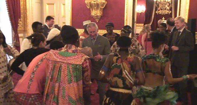 Prinţul Charles dansează pe ritmuri africane la Londra