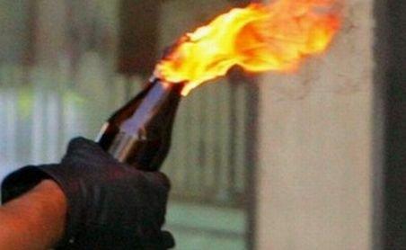 Casa unui afacerist din Iaşi, atacată cu sticle incendiare. Bărbatul ar fi implicat în dosarul Cordunenilor