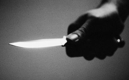 O femeie a ajuns în stare gravă la spital, după ce a fost tăiată de un bărbat de la care împrumutase bani