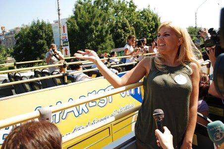 Traseu turistic al Capitalei, inaugurat de Udrea: 60.000 euro pentru autobuzele supraetajate timp de trei luni