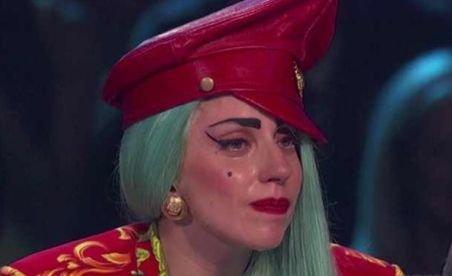 Lady Gaga a plâns în platoul unui concurs de talente