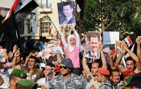 Imagini şocante. Forţele armate din Siria agresează şi deschid focul asupra protestatarilor