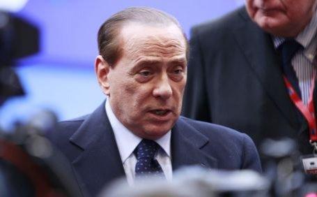 Silvio Berlusconi se teme de un atentat la adresa lui din partea liderului libian Muammar Gaddafi