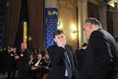 Crin Antonescu: Dinu Patriciu este un mincinos, Dan Voiculescu este partenerul meu - Gândul