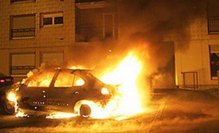 """Bărbatul care i-a incendiat maşina lui Miţă de la """"Bere gratis"""" a fost arestat pentru 29 de zile"""