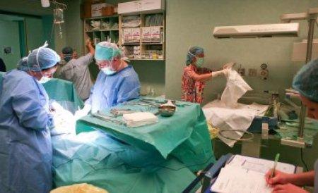 Spitalul din Târgu Mureş nu mai are bani. Copiii sunt trimişi în străinătate pentru operaţii