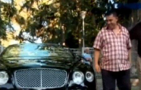 Manelistul Nicolae Guţă a primit cadou un Bentley de 200.000 de euro la o nuntă