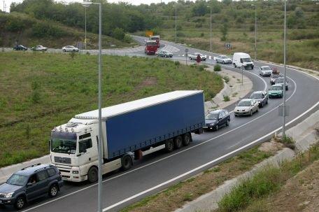 Traficul pe Autostrada Soarelui, închis la kilometrul 143 din cauza mai multor accidente în lanţ