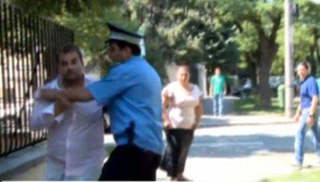 Timişoara. Mai mulţi jurnalişti, agresaţi pe stradă de membrii unei grupări de romi