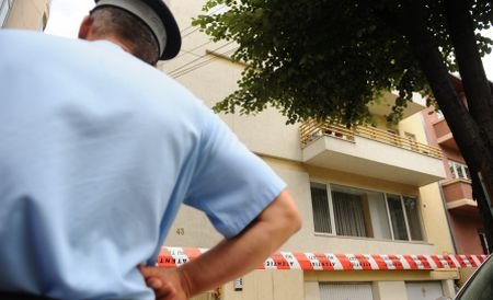 Un bărbat din Dolj şi-a înjunghiat iubita şi s-a sinucis