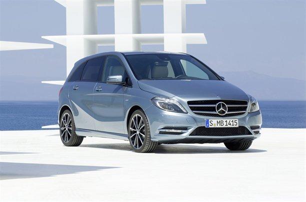 """Mercedes B-class în prima imagine """"scăpată"""" pe net"""