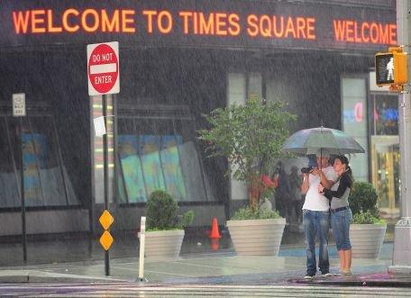 New York s-a transformat într-un oraş părăsit, în aşteptarea uraganului Irene