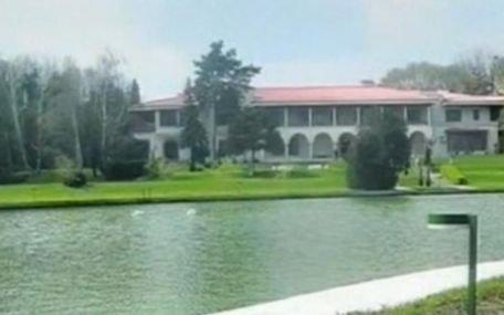 Vila de protocol de la Neptun a preşedintelui Băsescu, un adevărat colţ de rai. Vezi imagini aici
