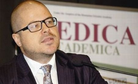 Preşedintele Agenţiei Naţionale a Medicamentului, trimis în judecată pentru luare de mită