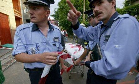Scandal într-o piaţă din Braşov: Ţiganii s-au luat la ceartă cu autorităţile care le-au confiscat marfa