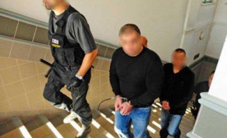 Unul dintre suspecţii în cazul uciderii handbalistului Marian Cozma a fugit de poliţişti
