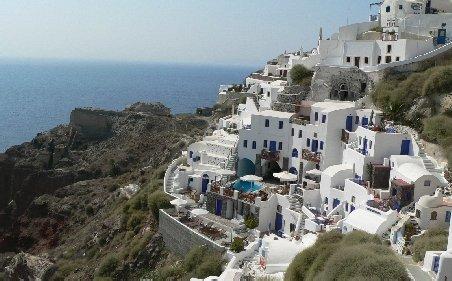 TVA a crescut în Grecia de la 13 la 23%: Valul de scumpiri va afecta localnicii şi turiştii