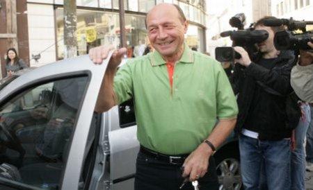 Renovări de 35.000 euro la reşedinţa preşedintelui Băsescu: asfaltare, vopsitorie, ferestre şi toalete noi, perne cu puf de gâscă