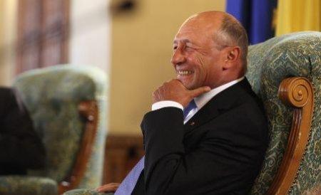 Traian Băsescu, la ieşirea de la OTPDL: Aş fi băut şi eu o bere