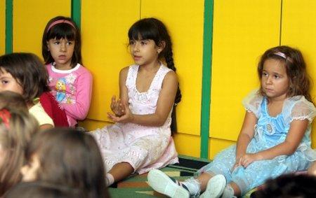 Criză de locuri în grădiniţele din Capitală: Zeci de mii de preşcolari vor rămâne pe dinafară