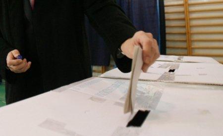 UDMR şi PSD vor negocia, astăzi, comasarea alegerilor şi modificarea Constituţiei