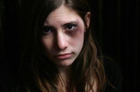 Peste 620 de minori români au fost abuzaţi sexual în 2010