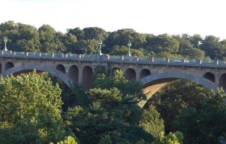 Alertă cu bombă la Washington. Un pachet suspect a fost descoperit pe podul Duke Ellington