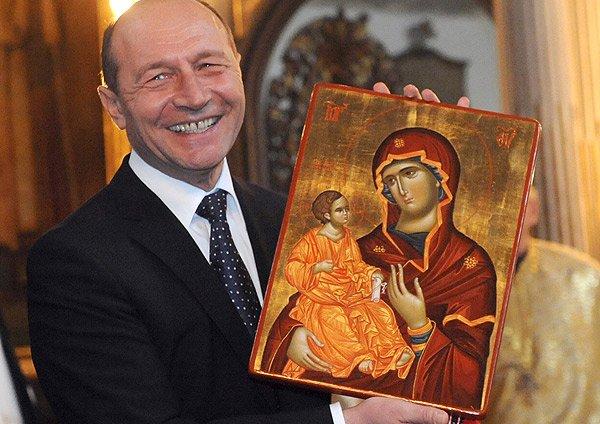 Băsescu anunţă o nouă criză: Ne rugăm la Dumnezeu, Germania, Italia, Franţa şi Spania