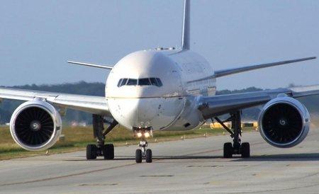 Un avion al US Airways a fost deviat deoarece trei pasageri aveau un comportament suspect