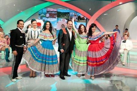 """Cosmina Păsărin, Simona Bălănescu şi Florentina Fântânaru vor defila în costume mexicane, la """"Petrecem k lumea"""""""