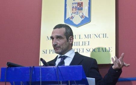 Sebastian Lăzăroiu: Respect decizia premierului
