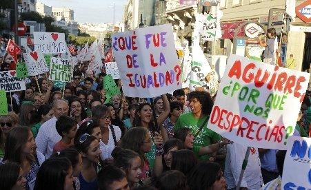 Spania. O grevă a profesorilor a scos în stradă mii de manifestanţi la Madrid