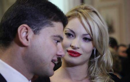 Cristi Boureanu şi Valentina Pelinel, la un pas de divorţ?