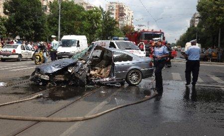 Liniuţe periculoase. Doi şoferi care făceau întrecere în Iaşi au băgat în spital patru persoane