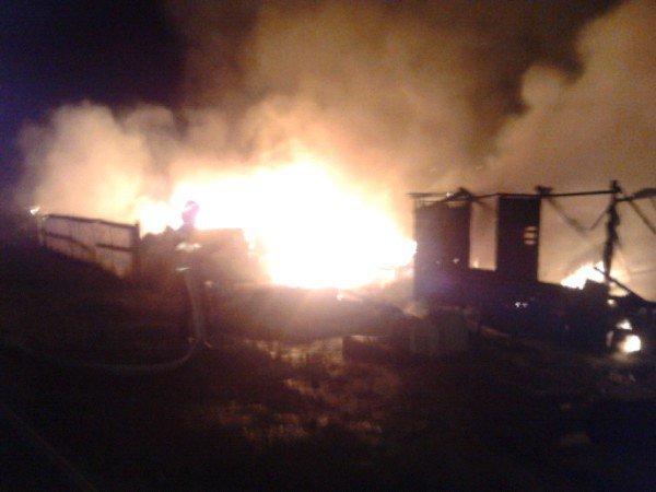 Baia Mare. Şapte case locuite de romi au fost distruse într-un incendiu